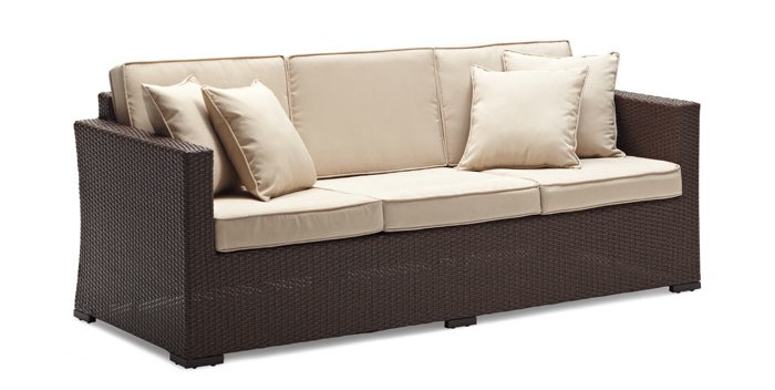 strathwood griffen wicker sofa