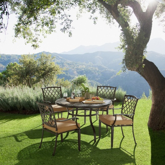 Strathwood Whidbey Cast-Aluminum Furniture_